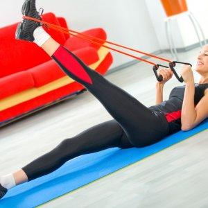 Упражнения с эспандером для похудения эффективные занятия для женщин в домашних условиях
